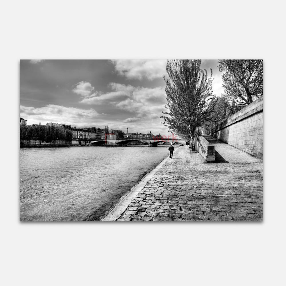 Spaziergänger an der Seine 1