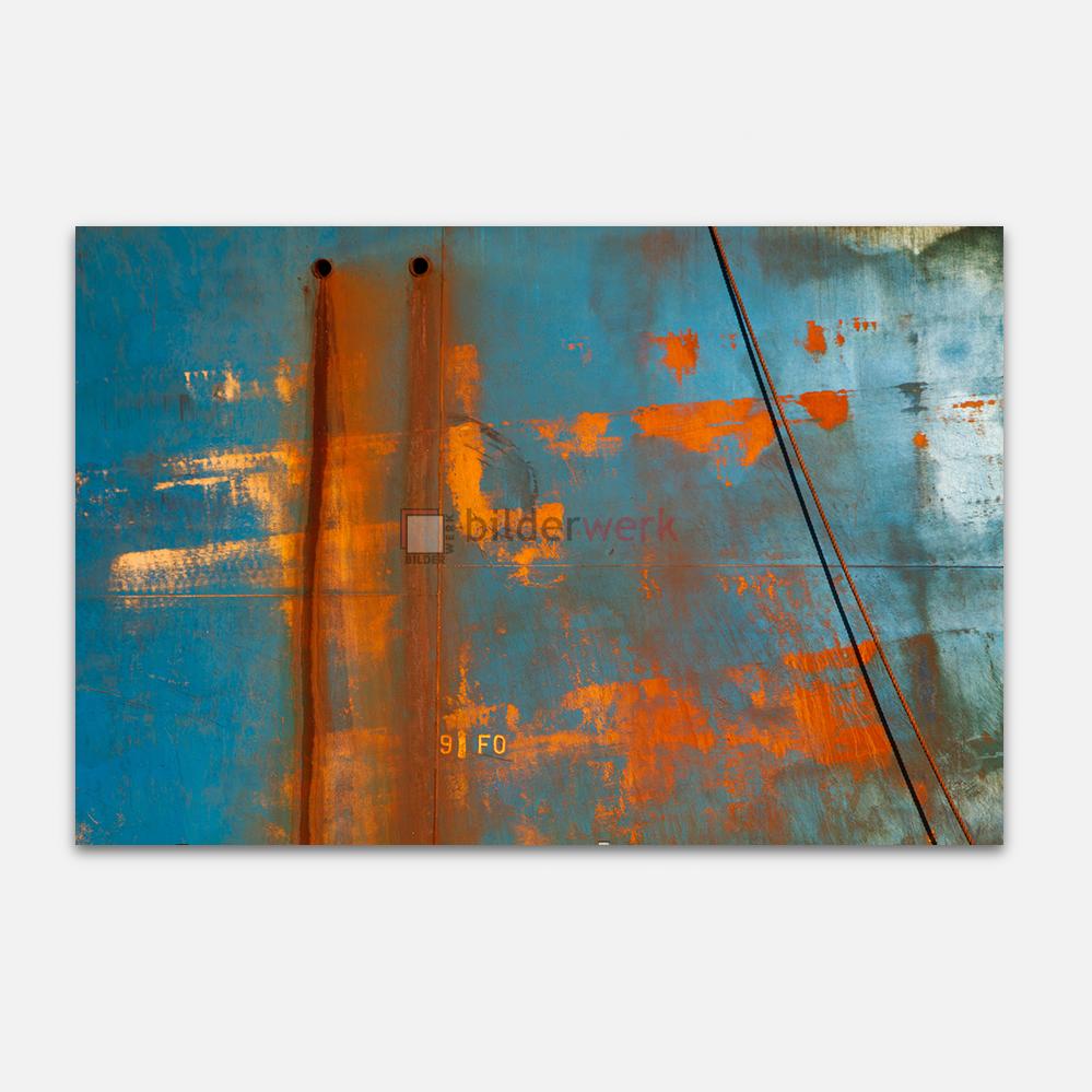 Rost auf blauer Wand 1